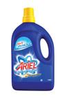 So sánh nước giặt Ariel đậm đặc và bột giặt Omo sạch nhanh