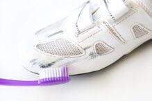 Các bước làm sạch giầy thể thao đúng cách