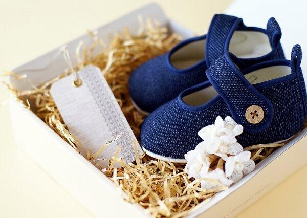 Cách chọn giày ưng ý cho bé 0 – 3 tuổi