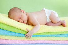 Cách chống tràn hiệu quả khi dùng tã giây cho bé ban đêm