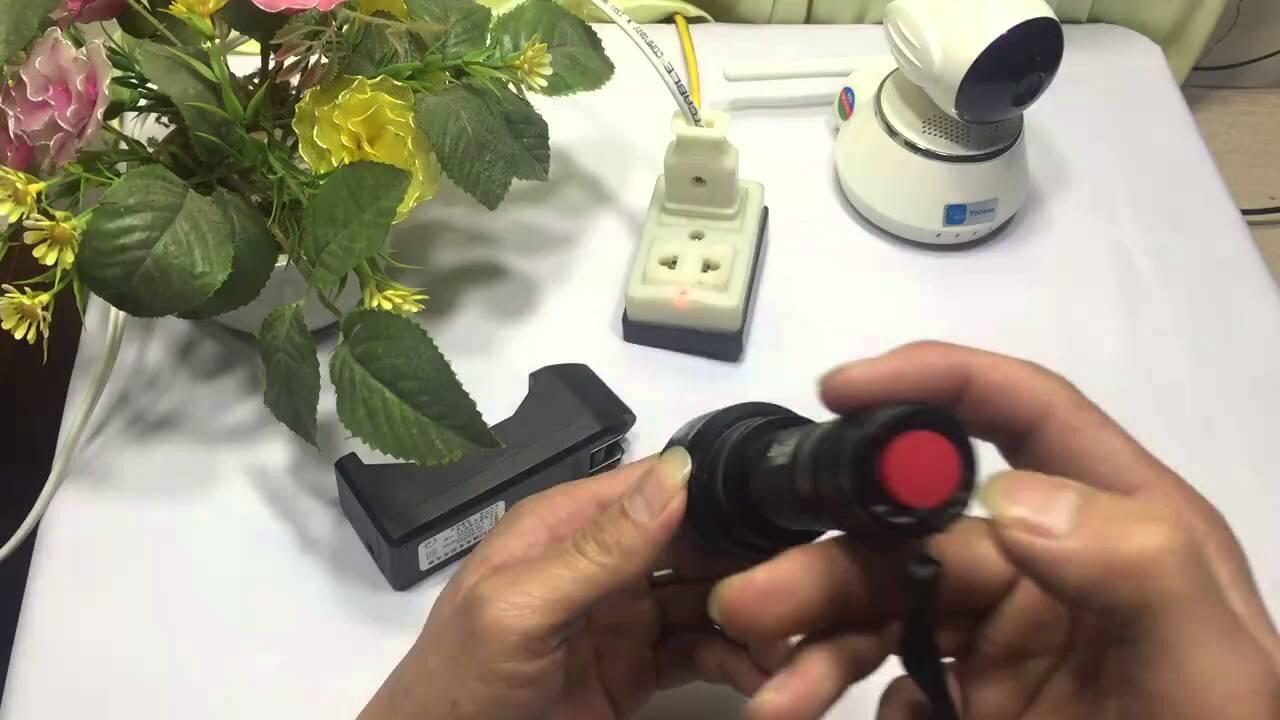 Cách dùng đèn pin an toàn và lâu bền nhất