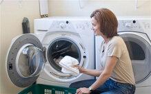 Cách giặt với máy giặt sấy tránh làm nhàu quần áo