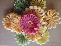 Cách làm mứt dừa HOA CÚC nhiều màu sắc cho Tết Nguyên đán không đơn điệu