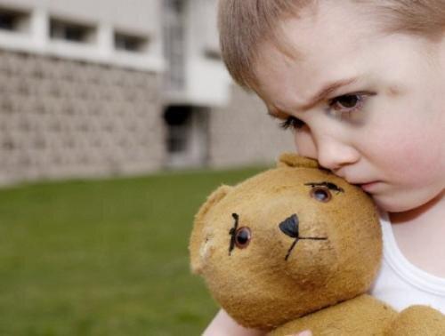 Cách nhận diện chứng tự kỷ của bé