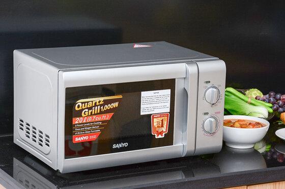 Cách sử dụng lò vi sóng Sanyo thành thạo 4 chức năng nấu chi tiết nhất