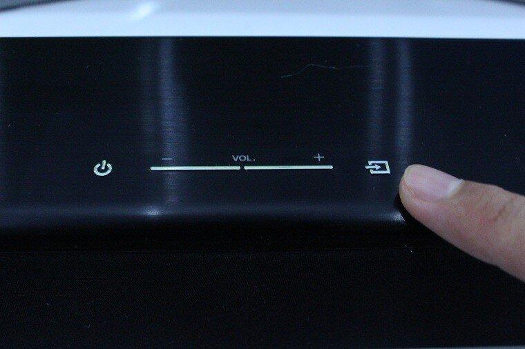 Cách sử dụng loa Samsung kết nối với tivi thông qua dây cáp