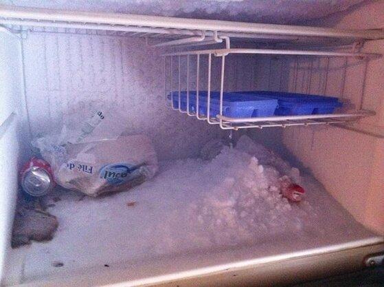Cách xử lý khi ngăn đá tủ lạnh bị tuyết phủ kín