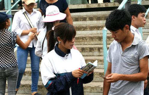 Cạm bẫy lừa đảo 'bủa vây' tân sinh viên