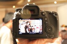 Cận cảnh DSLR Canon EOS 70D