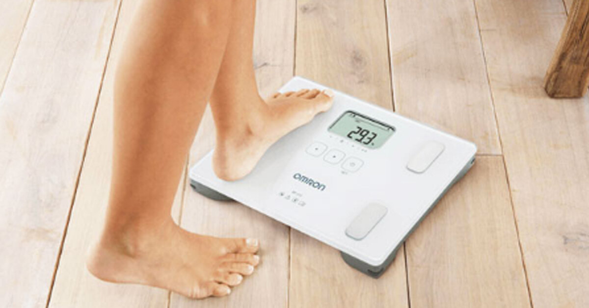 Cân sức khỏe điện tử omron có tốt không ? Giá bao nhiêu ?