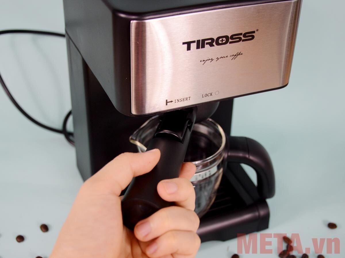 Sử dụng máy pha cà phê Tiross đơn giản và dễ dàng