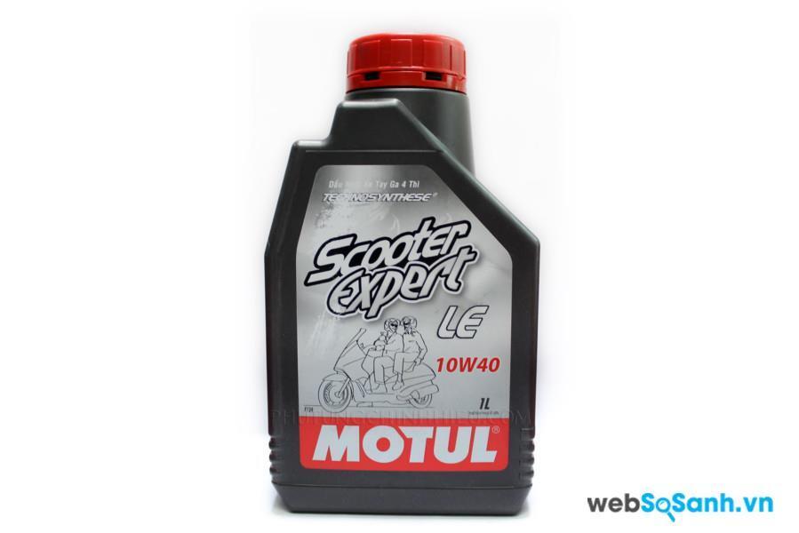 Dầu nhớt là chất lỏng nhớt, có tác dụng làm các động cơ hoạt động trơn chu và bảo vệ các chi tiết của xe máy