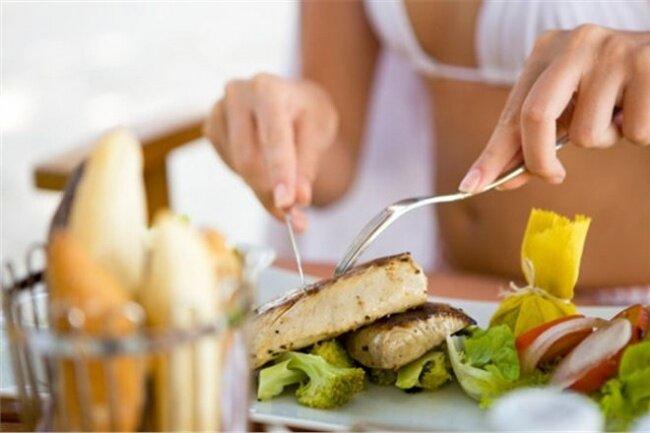 Chế độ ăn uống trước, trong và sau khi tập luyện khoa học dành cho bạn