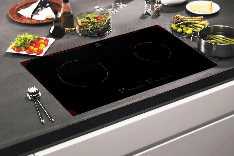 Tư vấn mua bếp hồng ngoại đôi Electrolux EHC7240BA