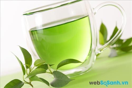 Chia sẻ bí quyết dưỡng da độc đáo với lá trà xanh