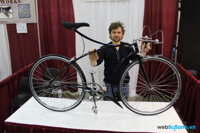 Chiếc xe đạp độc đáo với tay phanh được chế tác từ đá cẩm thạch