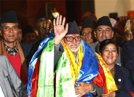 Choáng váng với cảnh nghèo của Thủ tướng Nepal