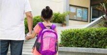 Chọn cặp sách đi học cho bé sao cho đúng? Các bậc phụ huynh phải xem ngay!