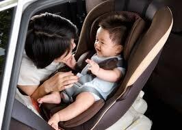 Chọn ghế xe hơi cho bé