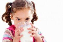 Chọn loại sữa nào giúp bé trên 1 tuổi tăng cân và khỏe mạnh?