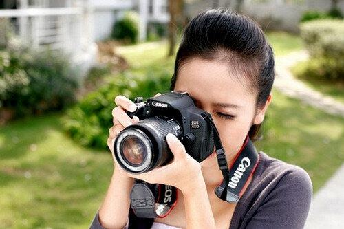 Chọn máy ảnh nào quay phim tốt nhất giữa Nikon và Canon?