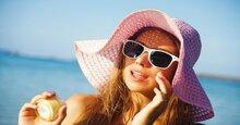 Có nên bôi kem chống nắng trực tiếp lên mặt hay không?