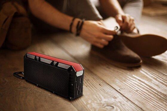 Có nên mua loa bluetooth nhỏ gọn dễ mang để thưởng thức âm nhạc?