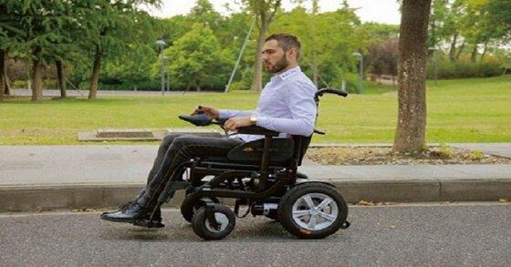 Có nên mua xe lăn cũ cho người già không?