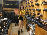 Cơn bão quà tặng từ giày Nam Javis Store với cơ hội trúng iPhone (X)