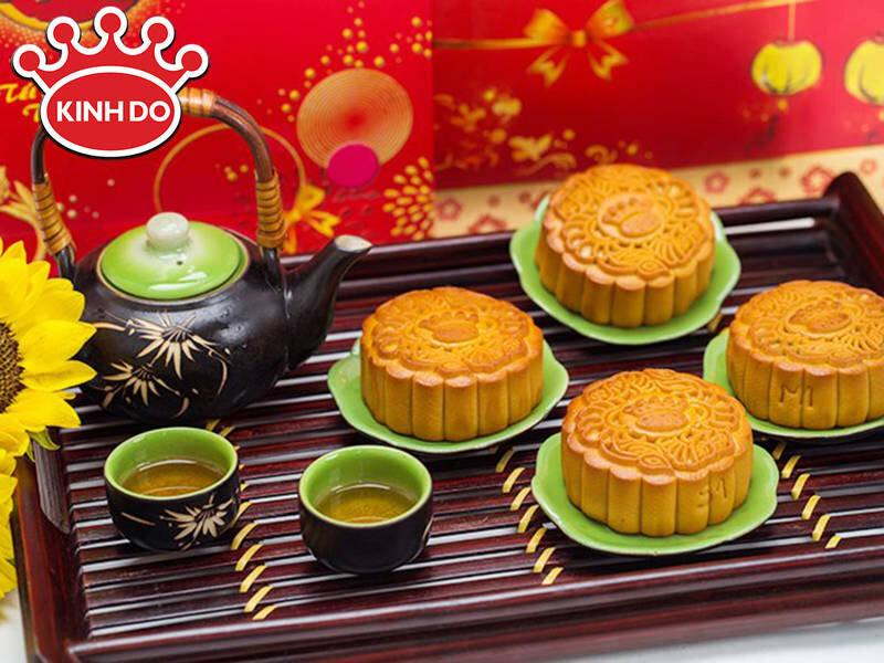 Bánh trung thu Kinh Đô thơm ngon, chuẩn vị cho gia đình Việt