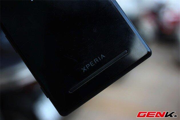 Cận cảnh Xperia T2 Ultra, so sánh với Z Ultra