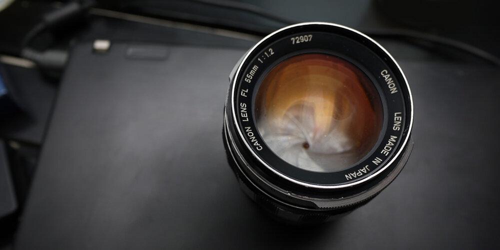 Ống kính máy phim rất phù hợp vớiMirrorless