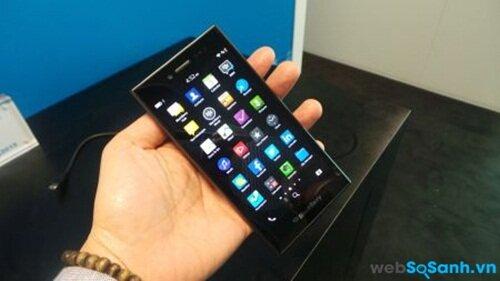 Đánh giá chiếc điện thoại thông minh BlackBerry Leap