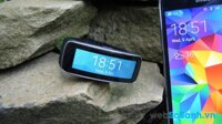 Đánh giá đồng hồ thông minh Samsung Gear Fit: Thiết bị đeo tay giá rẻ trải nghiệm tốt