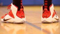 Đánh giá giày bóng rổ Nike Lebron 12