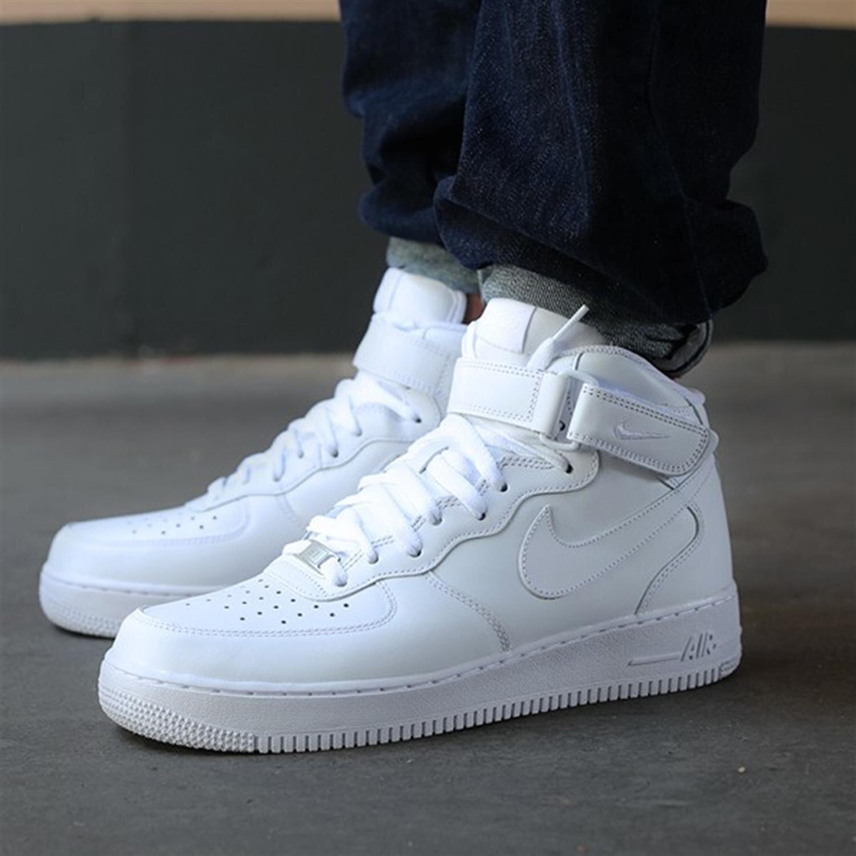 Đánh giá giày sneaker Nike Air Force