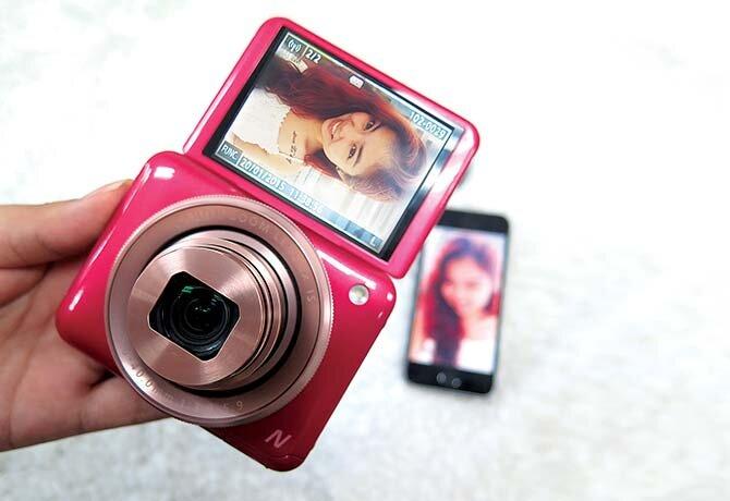 Đánh giá máy ảnh PowerShot N2 – chiếc máy ảnh bỏ túi độc đáo của Canon