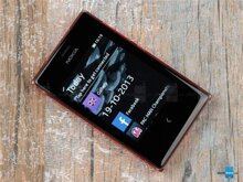 Đánh giá Nokia Asha 503, chú dế trong suốt đa sắc màu