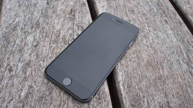 Đánh giá siêu phẩm iPhone 6: Thay đổi để tìm niềm cảm hứng (Phần 1: Thiết kế)