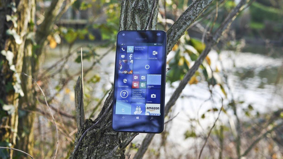 Đánh giá smartphone giá rẻ Lumia 550 của Microsoft