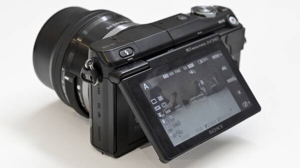 Đánh giá Sony NEX-3N – máy ảnh nhỏ nhất thế giới có cảm biến APS-C