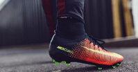 Đánh giá ưu – nhược điểm của giày bóng đá cổ cao