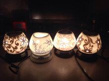 Đèn xông tinh dầu có tốn điện không, dùng đèn đốt hay máy khuếch tán