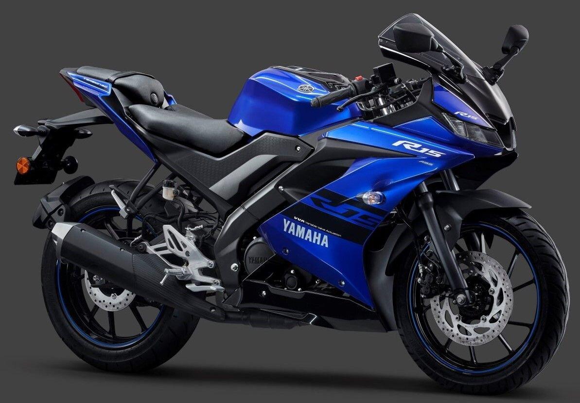 YZF-R15 màu sắc cá tính, động cơ mạnh mẽ