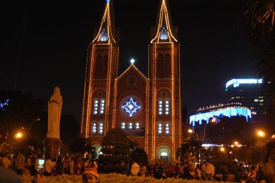 Địa điểm đón Giáng sinh 2015 lý tưởng ở Sài Gòn
