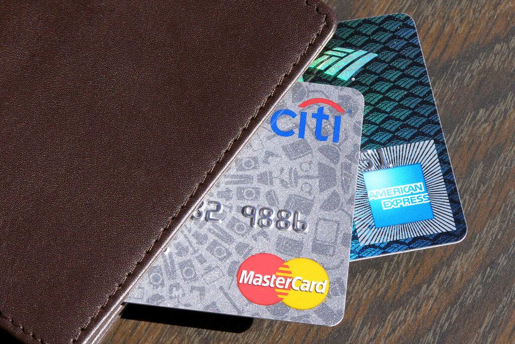 Điểm tín dụng: người dùng thẻ tín dụng đừng thờ ơ