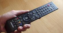Điều khiển tivi bị mất: Nên mua remote tivi ở đâu chất lượng ? Kinh nghiệm mua điều khiển tivi cần lưu ý