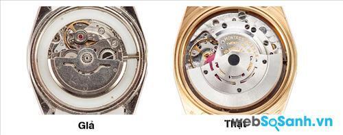 Động cơ đồng hồ Rolex chính hãng khá tinh tế và sắc sảo
