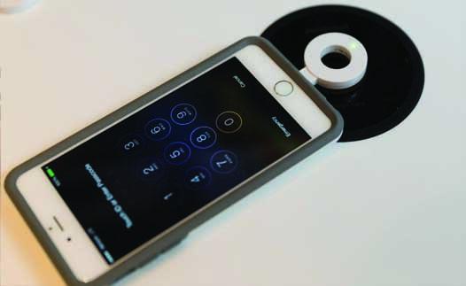 Độc đáo với bàn sạc pin không dây tương thích với tất cả smartphone