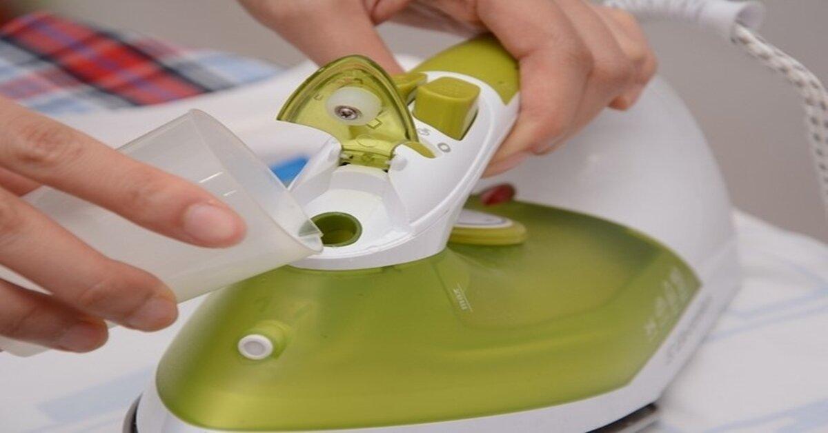 Dùng bàn ủi hơi nước đúng cách để sử dụng bền lâu